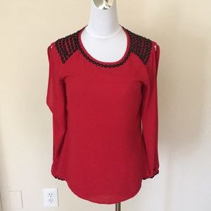 Caché red long sleeve Top